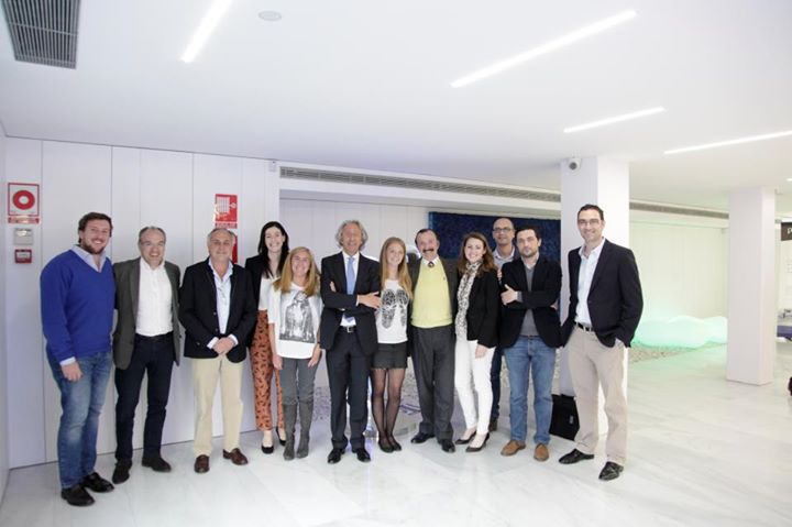 Título Universitario de Experto en Estética Dental I2-Implantología-UDiMA