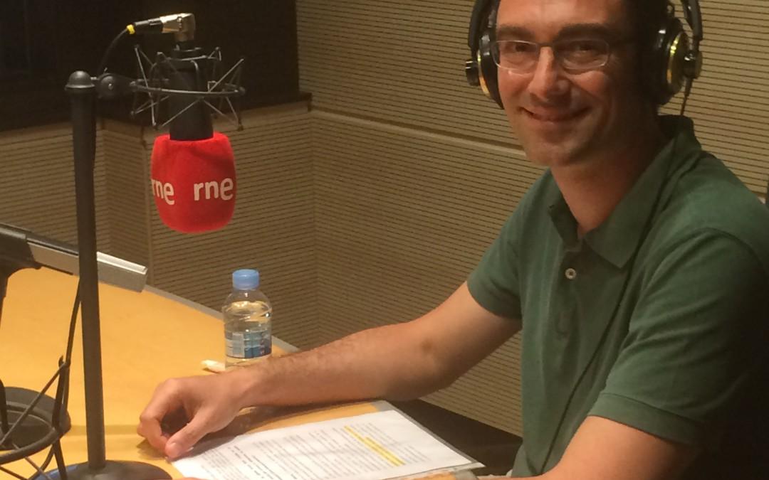 Entrevista al Dr. Alfonso García en Radio Nacional de España como Experto en Implantología