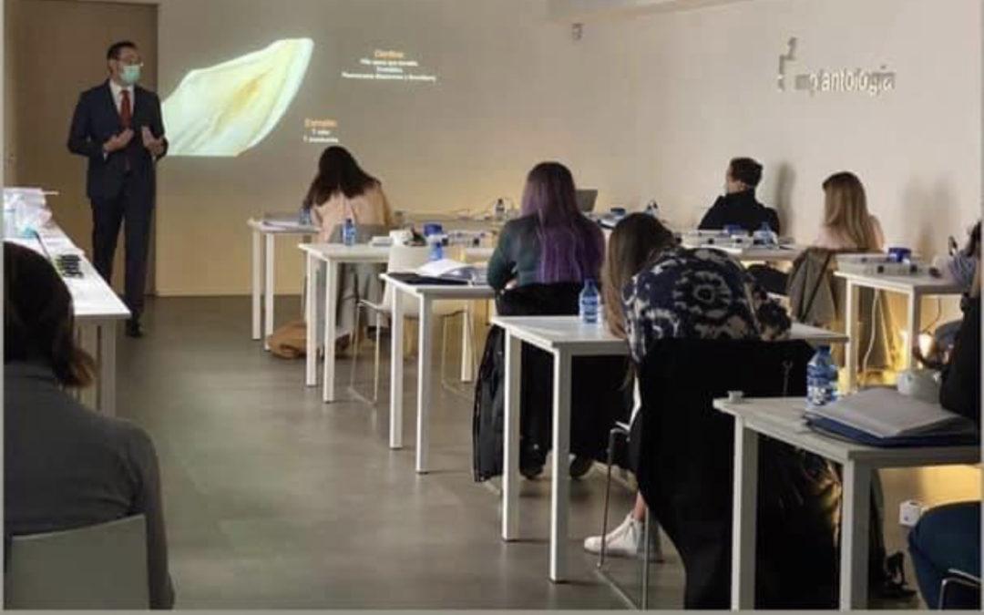 Curso en la Universidad UDIMA sobre Estética Dental
